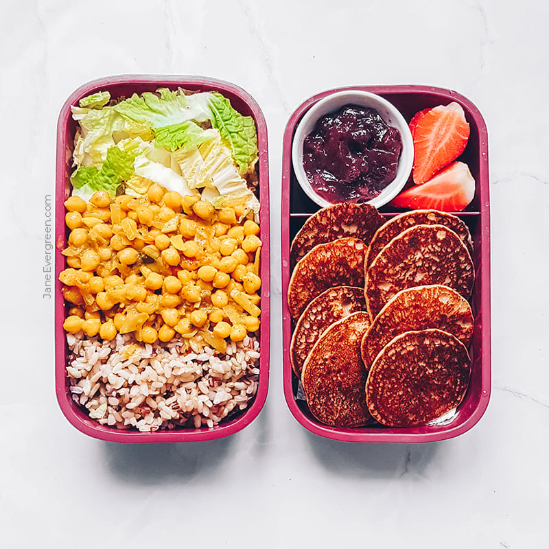 Vegan meal prep idea - Chickpea curry and pancakes